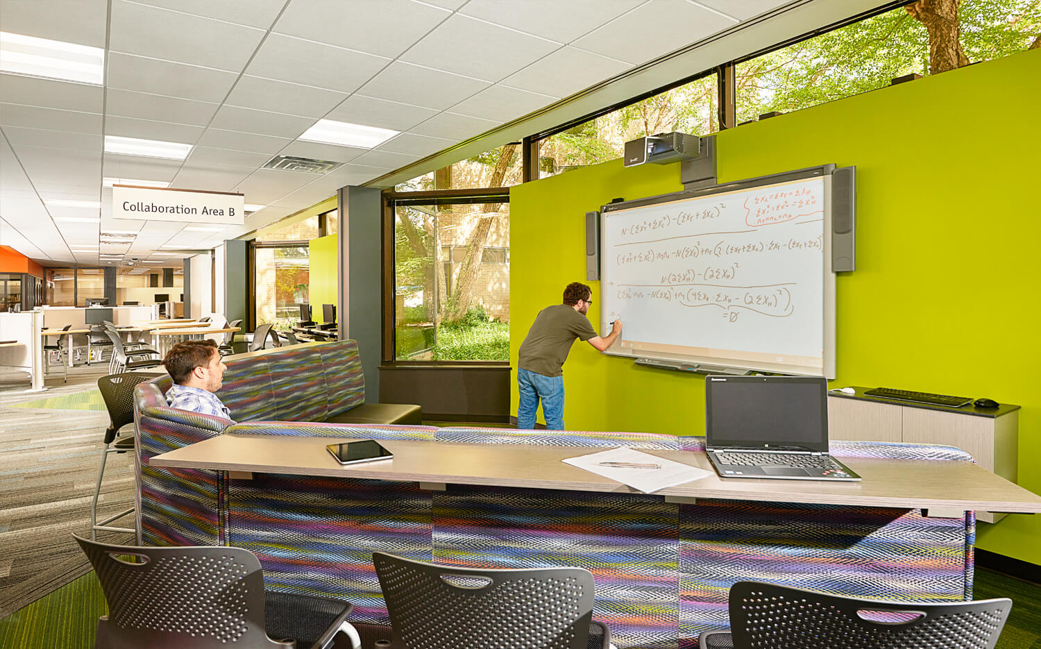 cmba-architects-portfolio-educational-technology-center-collaboration-area