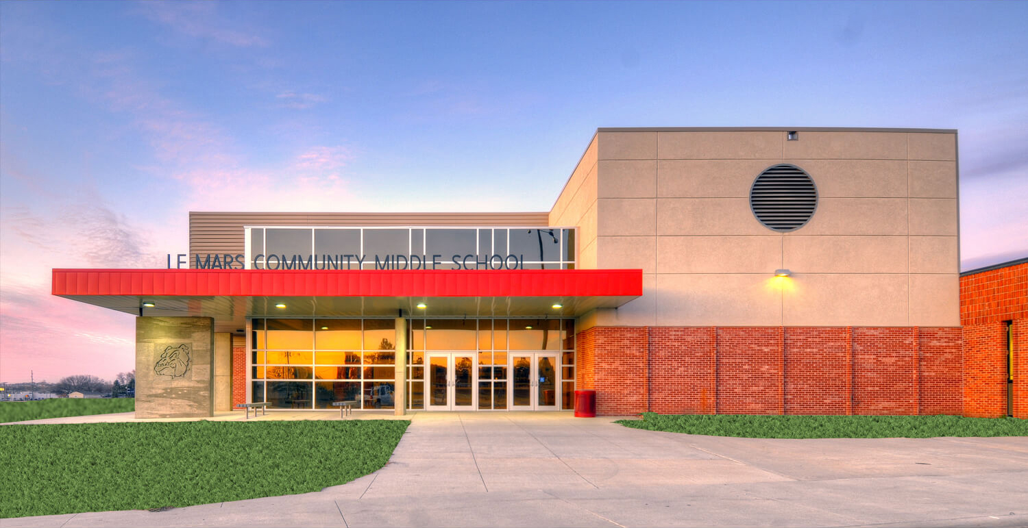 Exterior of Le Mars Community Middle School