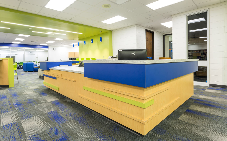 cmba-architects-portfolio-media-center-desk