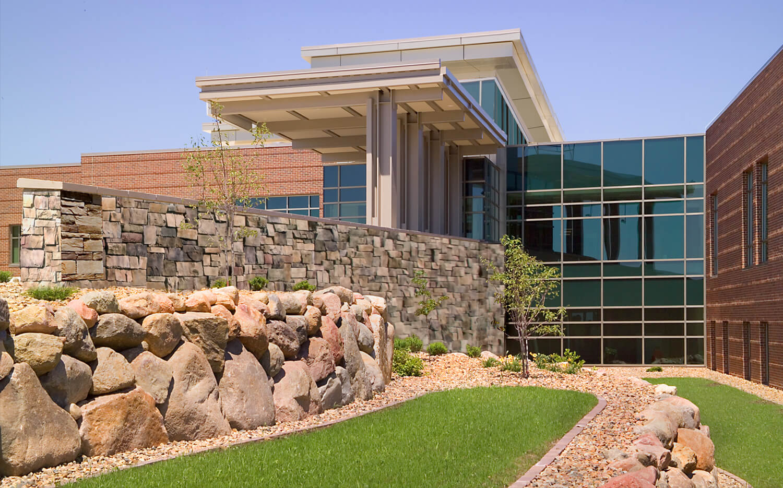 cmba-architects-portfolio-orange-city-area-health-system-exterior