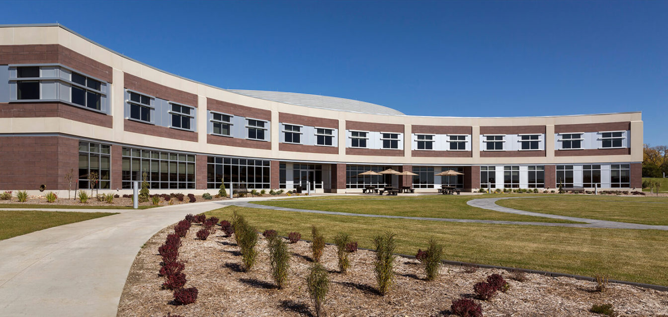 cmba-architects-portfolio-sioux-center-health-exterior