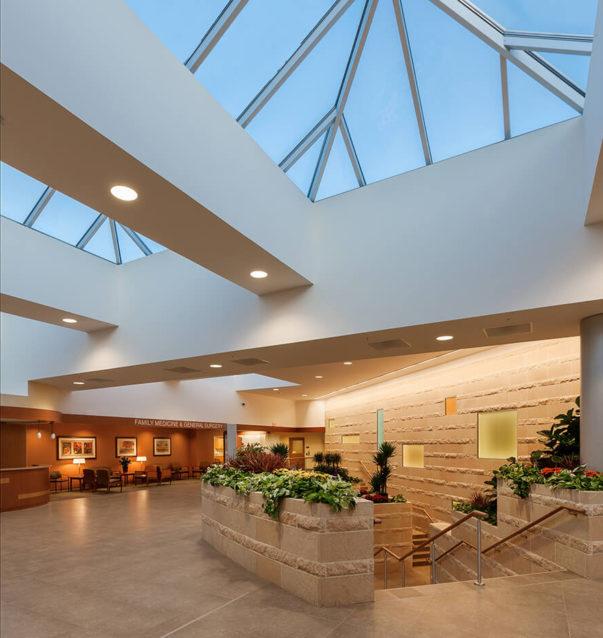 cmba-architects-portfolio-sioux-center-health-lobby