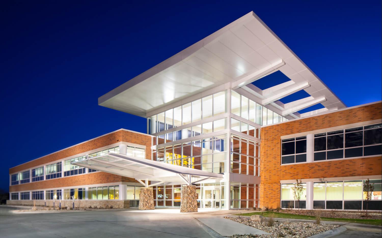 cmba-architects-portfolio-sunnybrook-medical-plaza