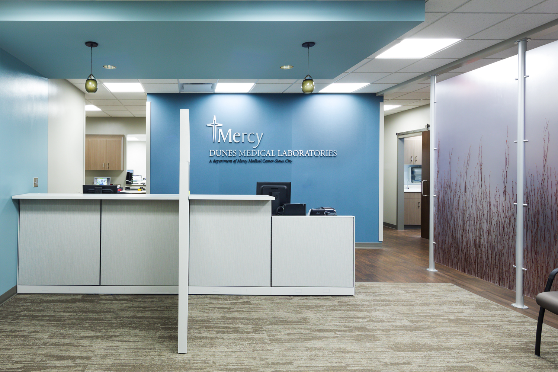 Lobby area of Mercyone Siouxland, Dunes Medical Lab