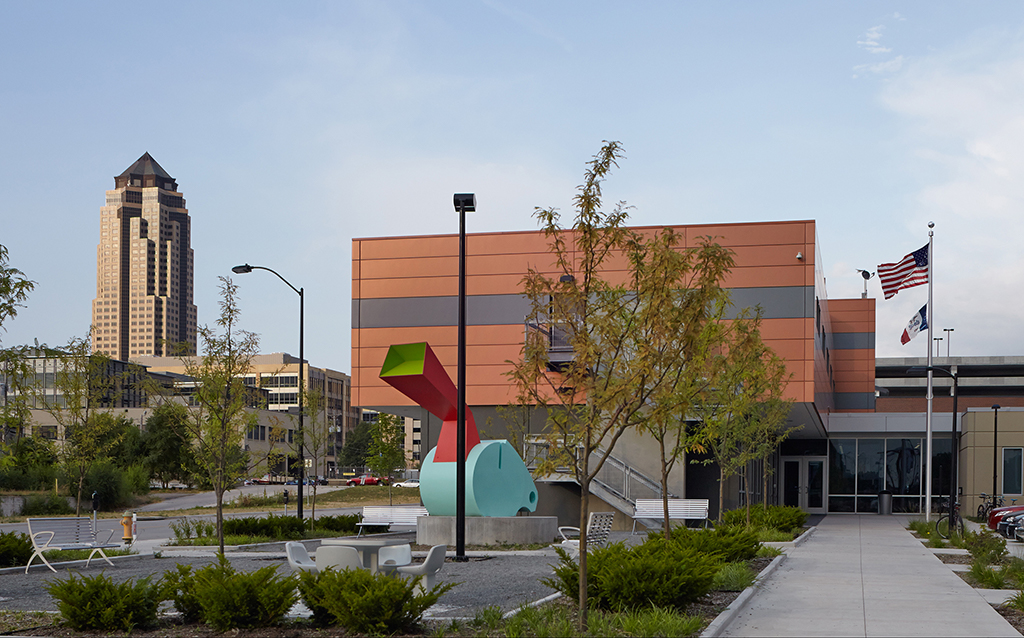 Central-Iowa-Shelter-Side-CMBA-Architects