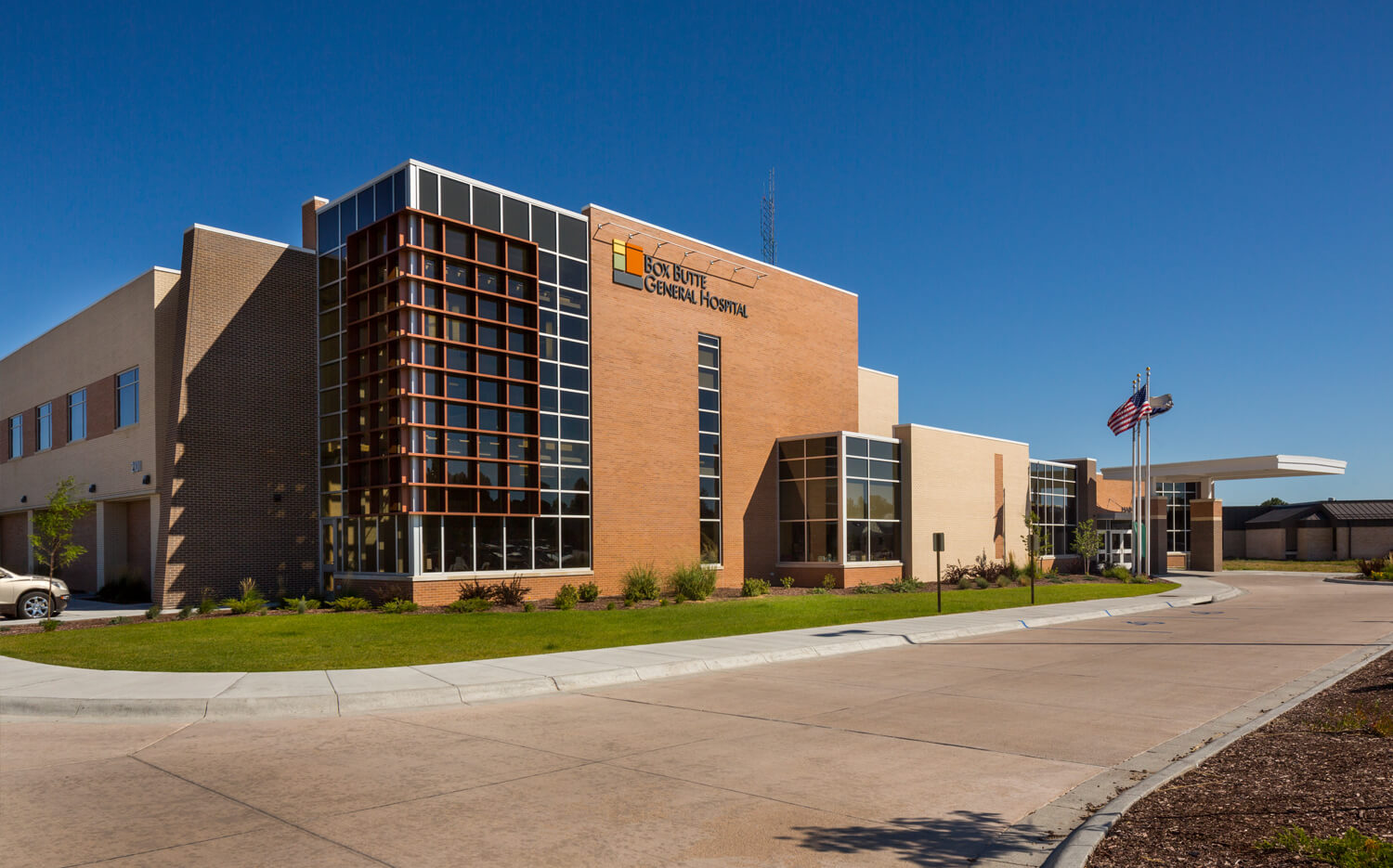 cmba-architects-portfolio-box-butte-general-hospital-exterior