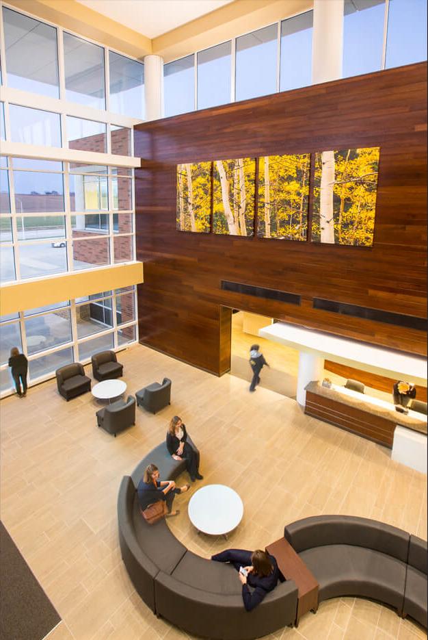 cmba-architects-portfolio-sunnybrook-medical-plaza-lobby-2-1