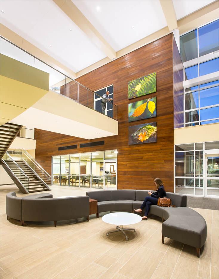 cmba-architects-portfolio-sunnybrook-medical-plaza-lobby-3-1