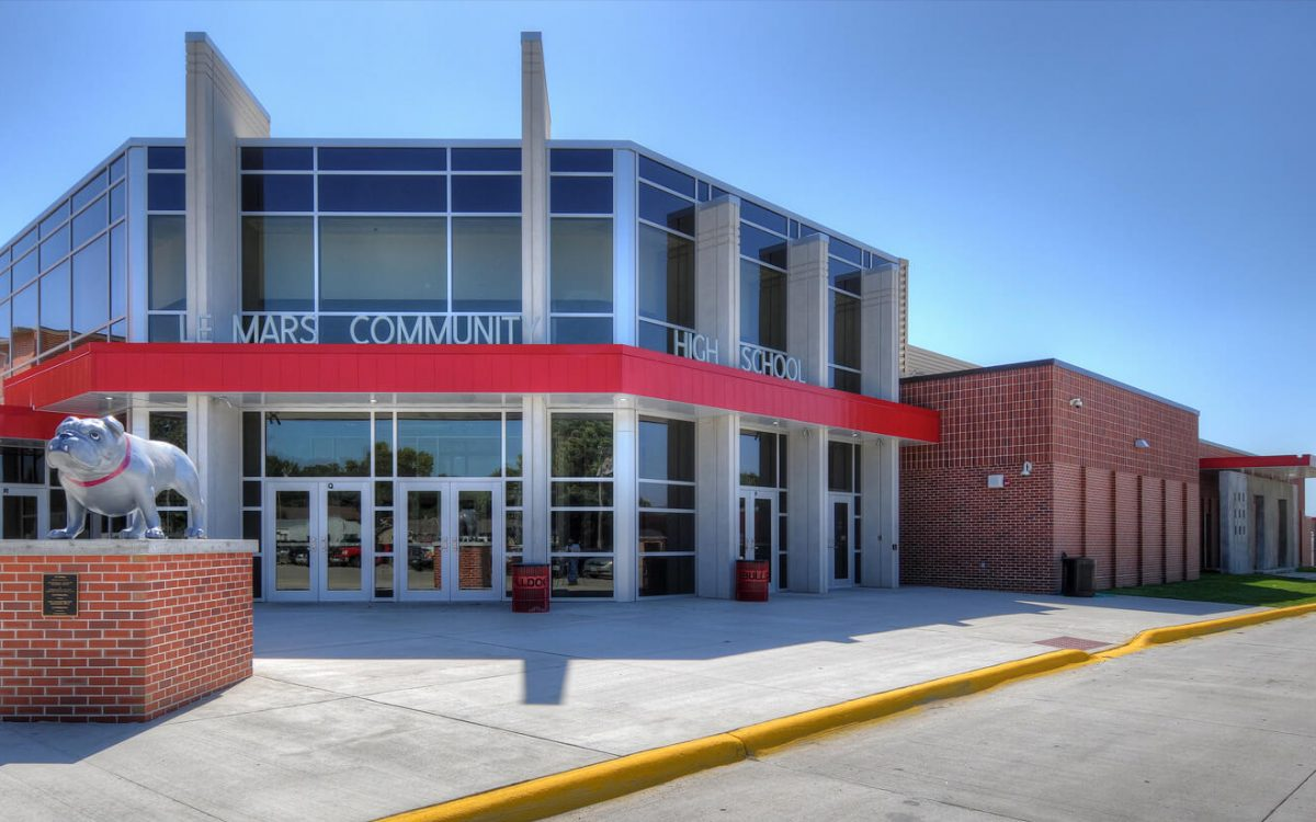 cmba-architects-portfolio-le-mars-community-middle-high-school-high-school-entrance