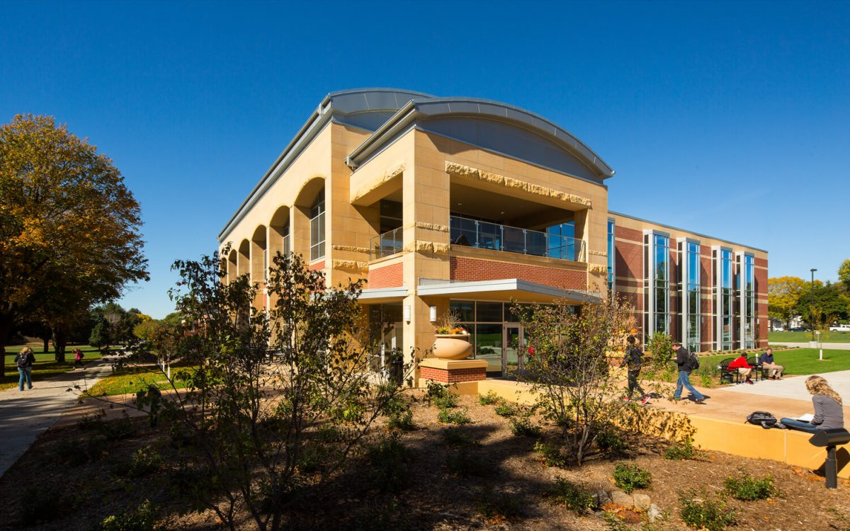 cmba-architects-portfolio-learning-commons-exterior-4