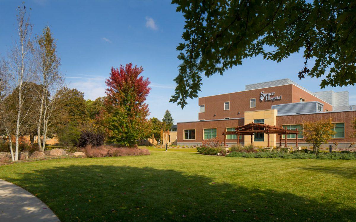 cmba-architects-portfolio-spencer-hospital-exterior-2